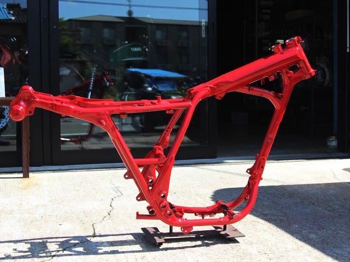 SR400 フレーム塗装赤